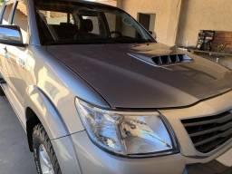 Hilux SRV Diesel Impecável - 2015