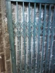 Porta Pantográfica de 1,70 x 2,25 mts