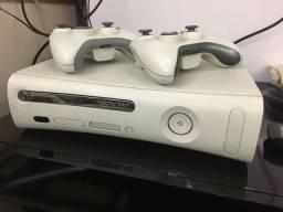 Xbox 360 desbloqueado com 2 controles originais e mais de 30 jogos