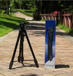 Tripé Telescópico Deluxe Profissional 1,8m para Câmera, Filmadora e Celular