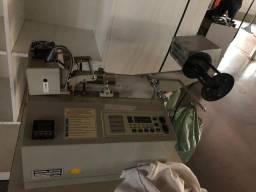 Máquina de cortar e fusionar (cortadeira de elástico quente)