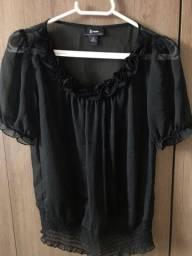 Camisa preta de crepe