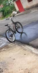 Vendo bicicleta houston muito conservada .