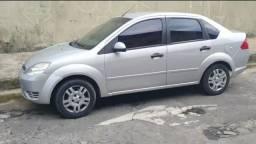 Fiesta 2005 1.0 8v sedan supercharger