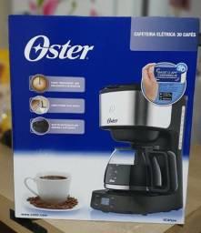 Cafeteira Oster Day Light OCAF500 preta e prata 220V