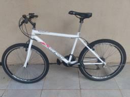 Bicicleta aro 16 , com marcha