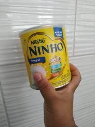 Latas de leite ninho vazia