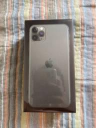 IPhone 11 Pro max, 64gb. Lacrado um ano de garantia Apple .