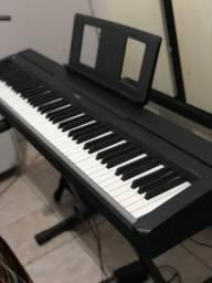 Piano digital Yamaha p45