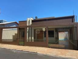 Casa com 3 dormitórios à venda, 225 m² por R$ 583.000 - Jardim Petrópolis - Foz do Iguaçu/