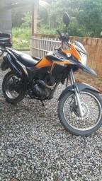 Faço rolo com moto XRE 160
