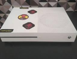 Xbox One Slim 1TB com jogo Cyberpunk 2077