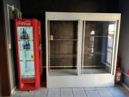 Armário Expositor MDF e vidros