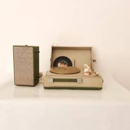 Título do anúncio: Vitrola telespark Garrard maleta