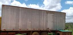 Baú de 8m para caminhão