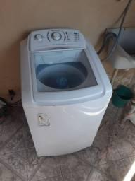 Vendo uma máquina de lavar funcionando perfeitamente