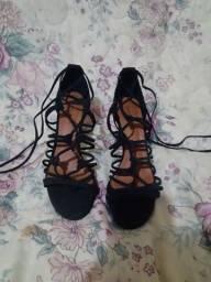 Sandália de salto gladiadora