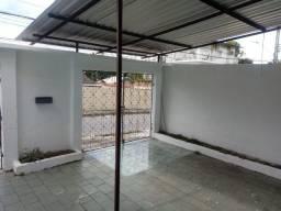 Alugo Apartamento com 2 quartos perto da Ipica em Adrianópolis.