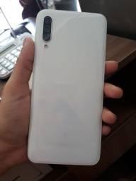 Título do anúncio: Vendo celular da Samsung A30S branco