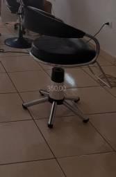 Título do anúncio: Cadeira giratória para salão