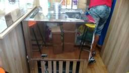 Balcão freezer para armazenar produtos congelados
