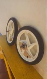 Jogo Completo de Pneu/Roda aro 16 p/Bicicleta Infantil