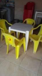 Jogo de Cadeiras Skol com mesa