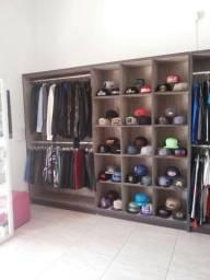 Vendo loja com moveis e estoque de roupas