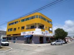 Prédio com ponto comercial e apartamento com terraço - Bairro Juparanã