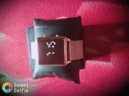 Relógio novinho por 150 reais chama no sap *