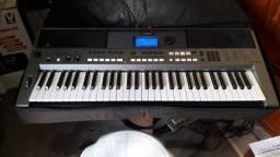 Teclado Yamaha E 443