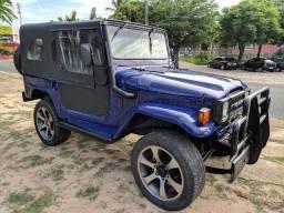 Jipe Toyota 4x4