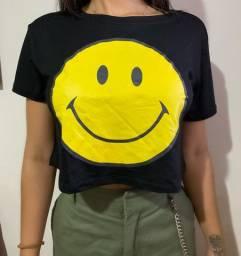 Camisa T-shirt cropped Smile
