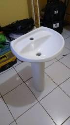 Pia com Base para Banheiro