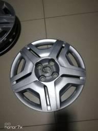 Calotas original da GM(adesivo da Fiat por cima)