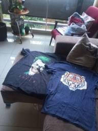 2 camisetas semi novas 20reais cada