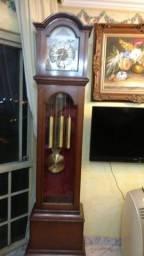 Relógio pedestal carrilhão