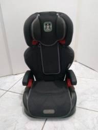 Cadeira infantil para carro.