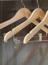 Título do anúncio: Cabides de madeira
