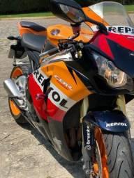 Título do anúncio: Moto Honda CBR Fireblade Repsol 1000 RR