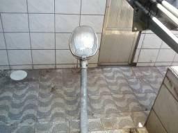 Luminária Externa com Braço - Aço Galvanizado