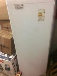 Vendo geladeira esmaltes