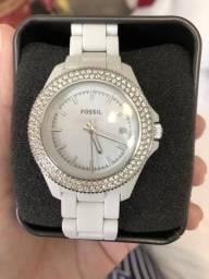 b68f199c7a2 Relógio Branco Fossil.
