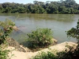Sitio com casa tanque para peixe na Beira do Rio Cuiabá antes de Acorizal