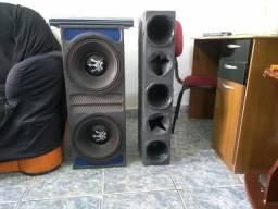 Vendo uma caixa de som com dois rex de 1000 cada um de 12 polegadas
