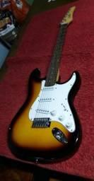 Vendo Guitarra Condor Guitars , novissima.