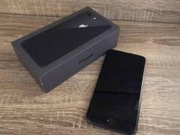 Iphone 8 plus com caixa e acessórios