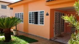 Linda casa 3/4 sendo um suite de esquina bairro Mapim em Várzea Grande