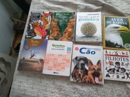 Vendendo esses livros *