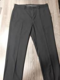 Duas calças sociais masculinas - Uma preta (40) e outra cinza (42)- Garbo e Luigi Bertolli